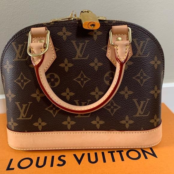 Louis Vuitton Handbags - Alma BB Louis Vuitton 07ffe8e09869d